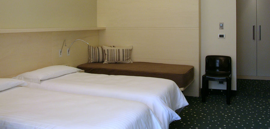 Hotel Piroscafo, Desenzano, Lake Garda, Italy - Triple Room.jpg